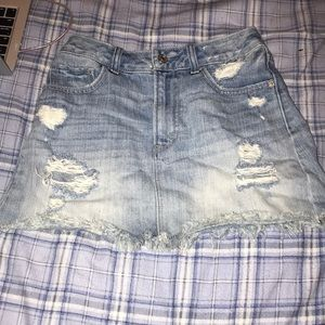 Jean skirt with distress
